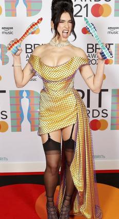 Дуа Липа на The BRIT Awards 2021
