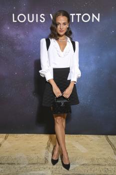 Алисия Викандер на събитие на Louis Vuitton