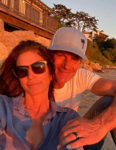 Синди Крауфорд и Ранди Гербер се наслаждават на калифорнийския залез