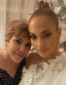 Дженифър Лопес с майка си Гуадалупи Родригес