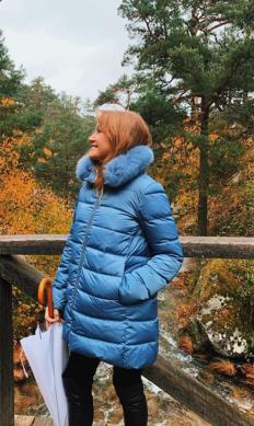 Джейн Сиймур се наслаждава на есента