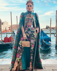 Джей Ло на ревю на Dolce & Gabbana във Венеция