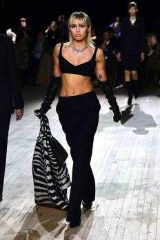 Майли Сайръс на ревюто на Marc Jacobs за есен 2020