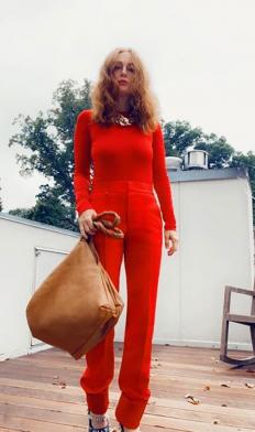 Джулиан Мур, облечена в Givenchy SS 2021