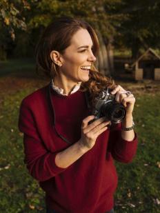 Нов портрет на Кейт Мидълтън, заснет от кралския фотограф Мат Портеус