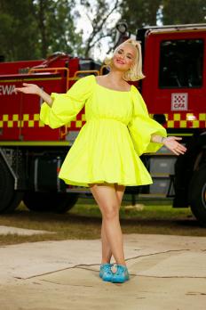 Бременната Кейти Пери в рокля на Valentino на концерт в Австралия